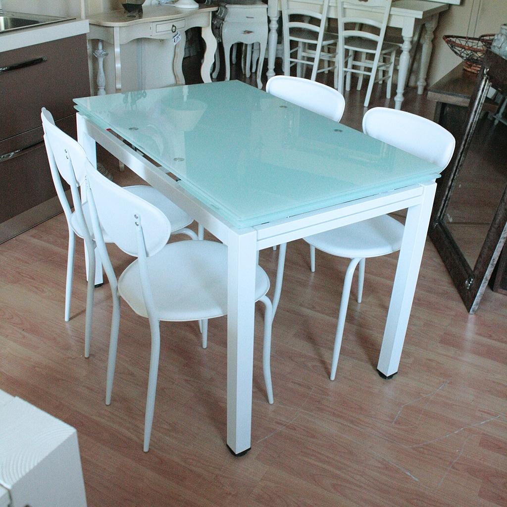 Tavolo Cristallo 4 Sedie.Tavolo Vetro Allungabile Outlet Arredamento Vesto Arredo La Casa
