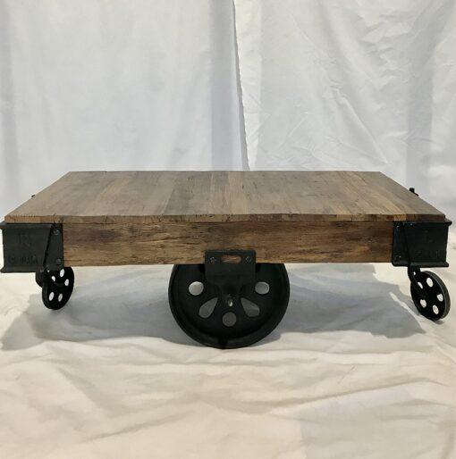 Tavolino legno e ferro con ruote